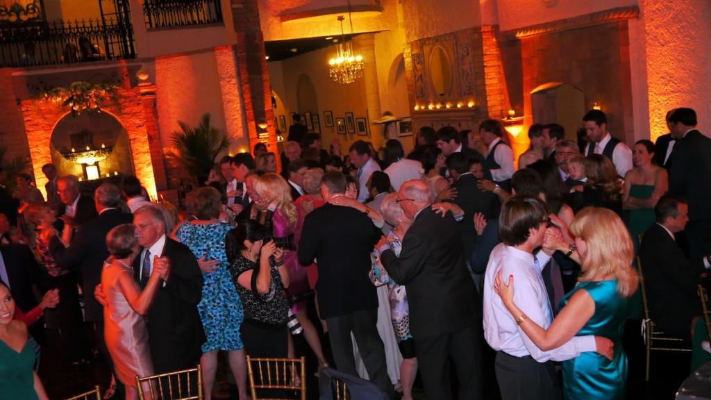 Houston-Wedding-DJs-Why-LED-Uplighting-Houston-1024x576